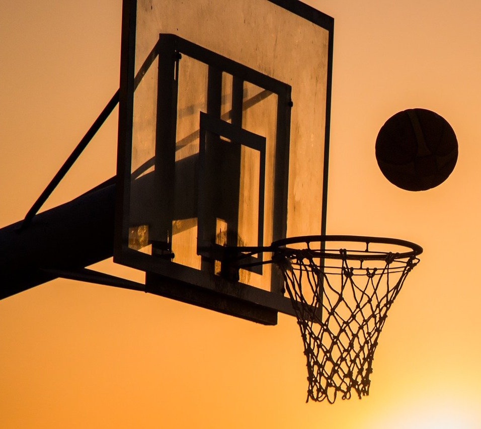 https://pixabay.com/photos/basketball-sport-ball-game-2258651/ user: tortugadatacorp